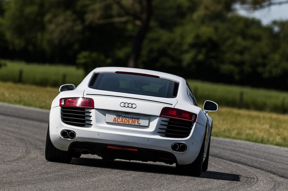 Pilotez l'Audi R8 sur circuit