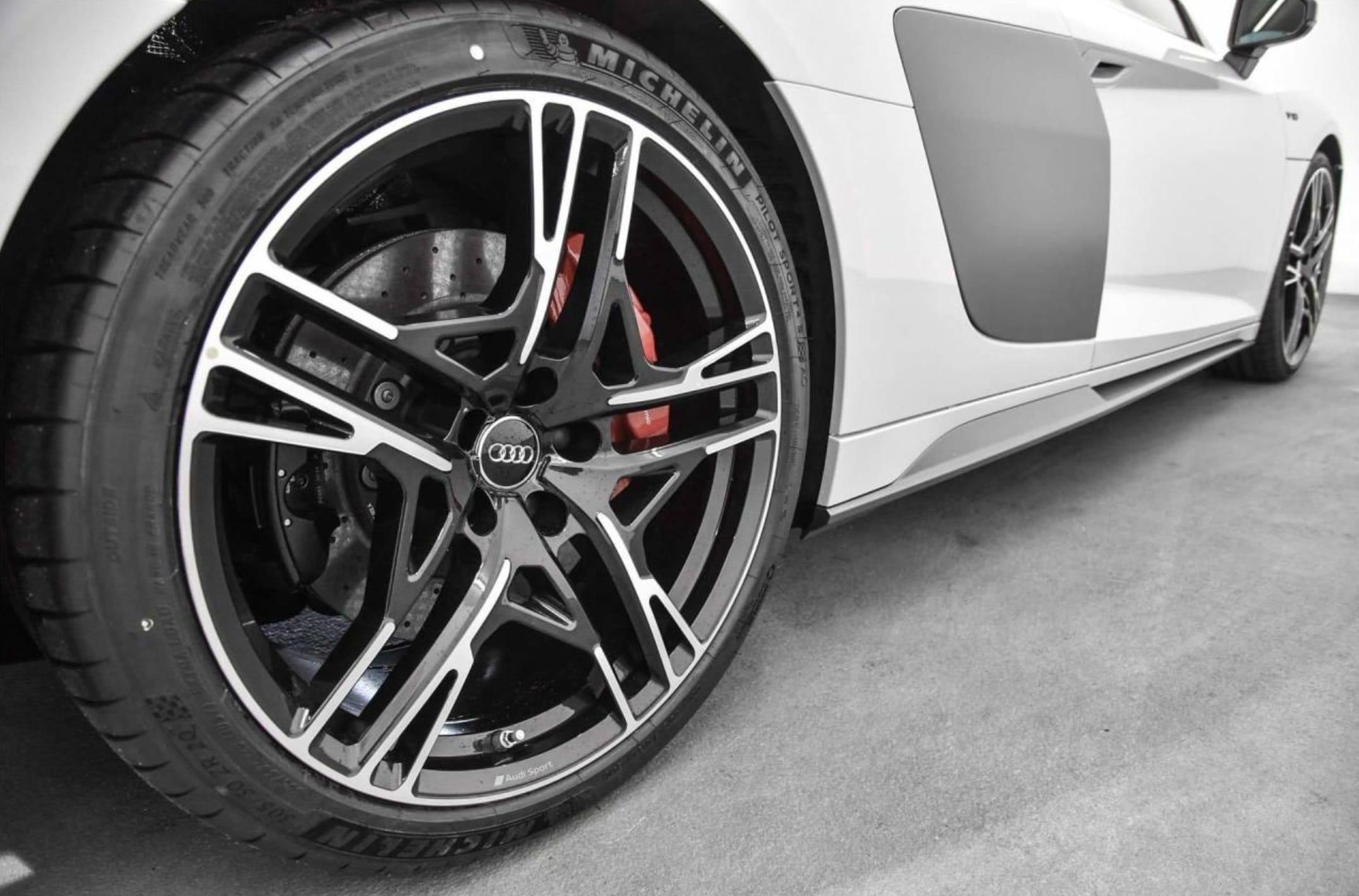 Audi R8 d'occasion - Vue côté arrière droit