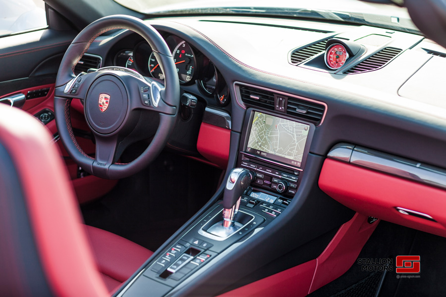 Un mandataire Porsche qui vient de l'importer d'Allemagne