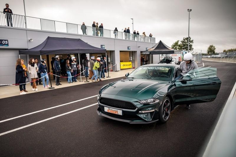 Ford Mustang - Vue avant