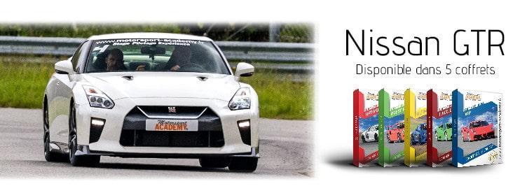 Nissan GTR présente dans 5 box pilotage