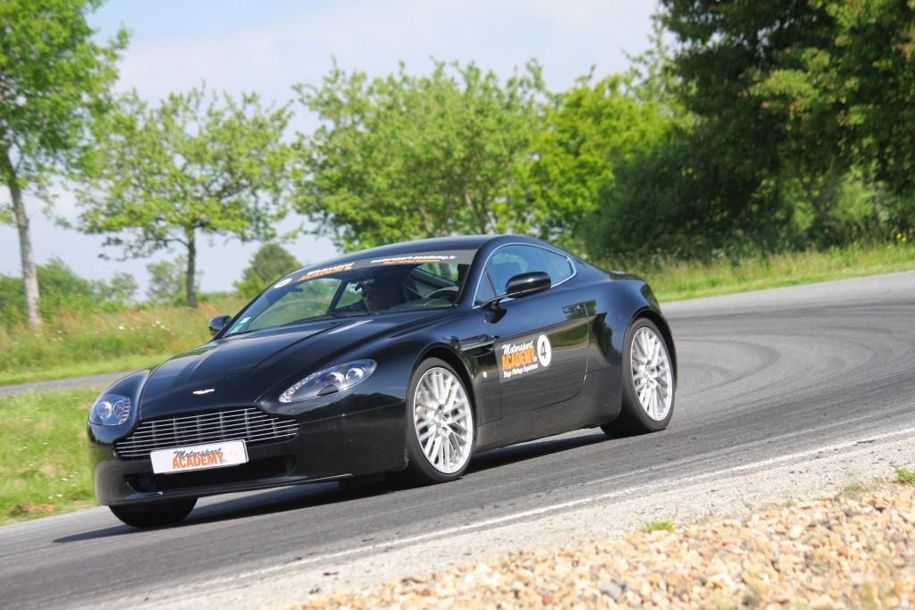 Stage en Aston Martin Vantage