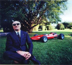 Enzo Ferrari devant Formule 1