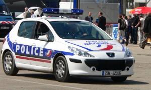 Voiture de police bleu blanc rouge