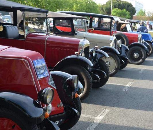 3 mod les de voitures qui ont marqu les ann es 60 for Garage voiture ancienne la rochelle